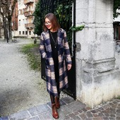 Et oui, le froid est encore là ! ❄️ Pour rester canon et avoir du style même avec ces températures, deux nouveaux manteaux de la marque @mamouchka_paris_officiel sont en boutiques !  Que pensez-vous de celui-ci ? 💙  #winterseason #nouvellecollection #newcollection #outfit #shopping #roselesboutiques #chambéry #lyon #annecy #marseille