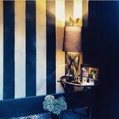 Rose au delà des vêtements et des bijoux, c'est aussi de vrais éléments de décoration.  Aujourd'hui nous sommes ravis de voir que les pièces que nous vous avons choisi vous plaisent et vous inspirent.  Merci à @cha_ma_thi pour cette photo ! Notre lampe lapin a parfaitement sa place dans ce joli intérieur 🐰🖤 Sachez que cette belle lampe revient bientôt dans nos boutiques et qu'il y aura même une petite nouvelle dans la collection ... Un indice : 🦒  #decoration #design #lapin #light #homedecor #roselesboutiques #lyon #chambéry #marseille #annecy